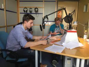 Bei der Aufnahme im Studio des BR / Bild: Christian Lösch